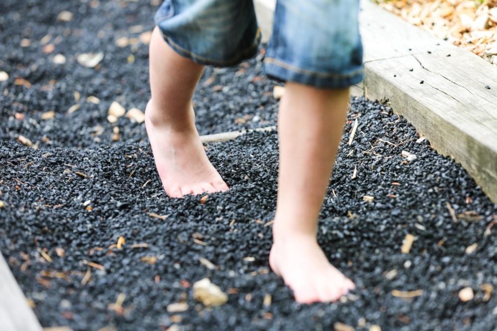 gravier-jardin-pieds-nus-normandie-luge